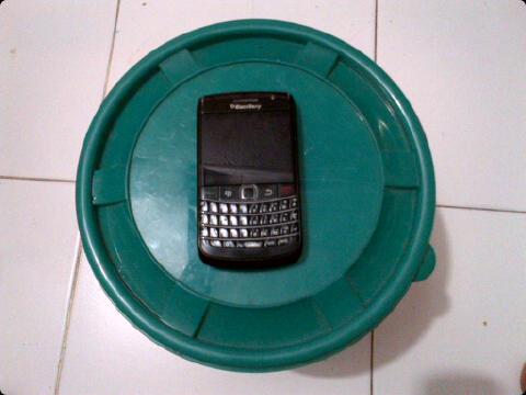ini bukan blackberry kopi tapi ini hanyalah gambar ilustrasi.jpg