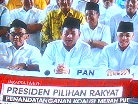 Deklarasi Koalisi Merah Putih - ARB - Prabowo - Hatta.jpg